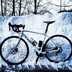 Still some snow up there. #Trek #ambassador #test #mountains #cycling #ciclismi #Domane #disk #bontraged