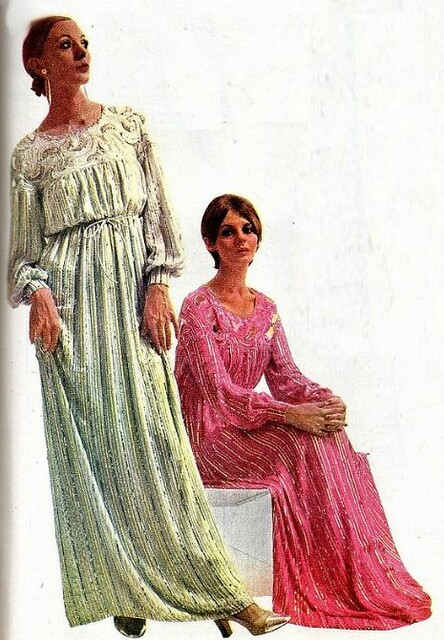 2016-07-25 1970 night gowns