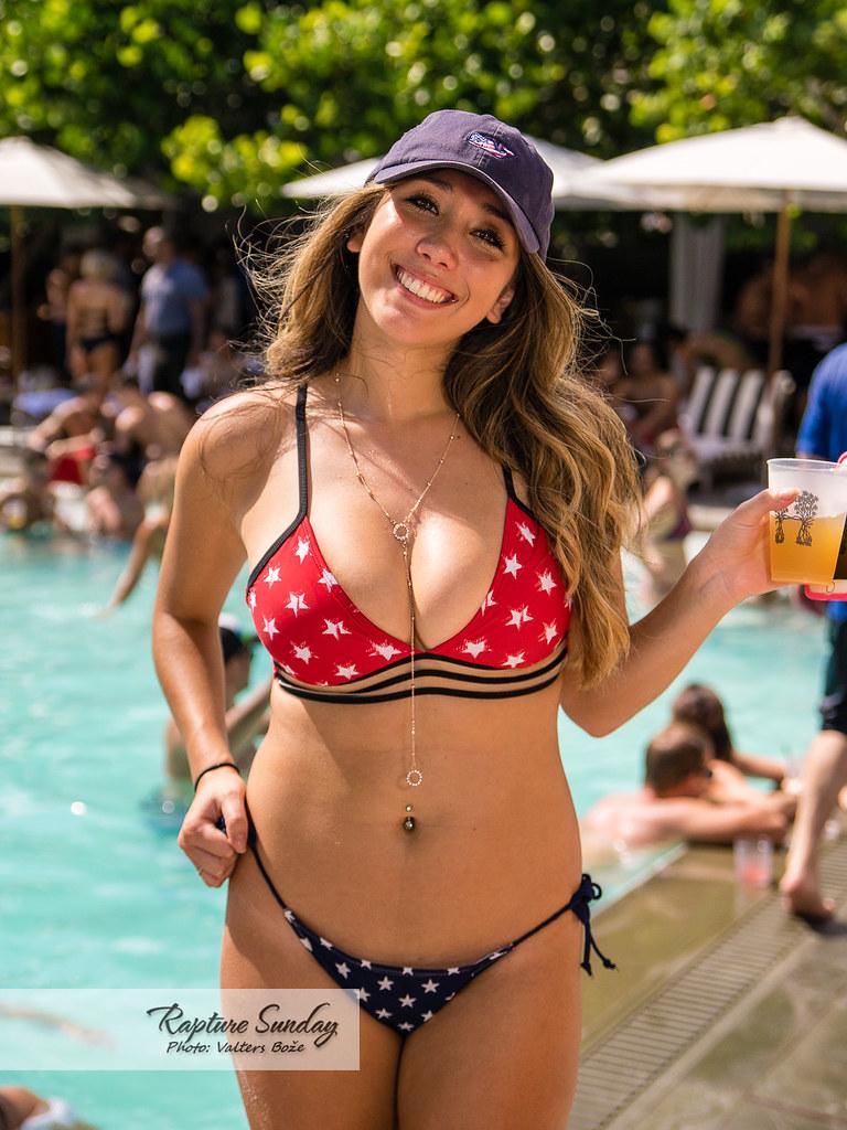Miami beach hot girls