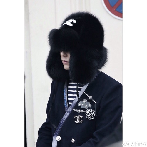 G-Dragon Chanel Haute Coutoure at Grand Palais Paris 2016-01-26 cr on pic (26)
