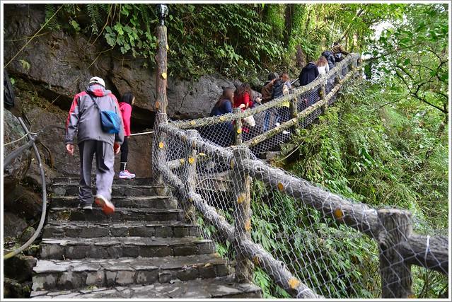 十分瀑布公園眼鏡洞瀑布013-DSC_0591
