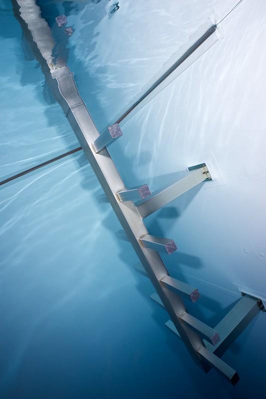 Indoor Diving avec le 15 mm Nikonos 15765912291_c8a6bdbfef_c