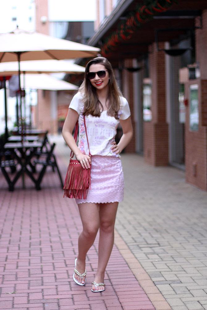 04-look-saia-rosa-e-tshirt