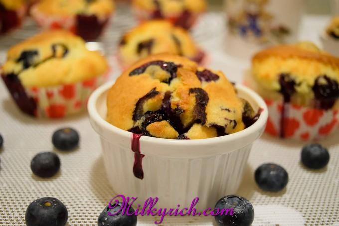 blueberry muffins - 9