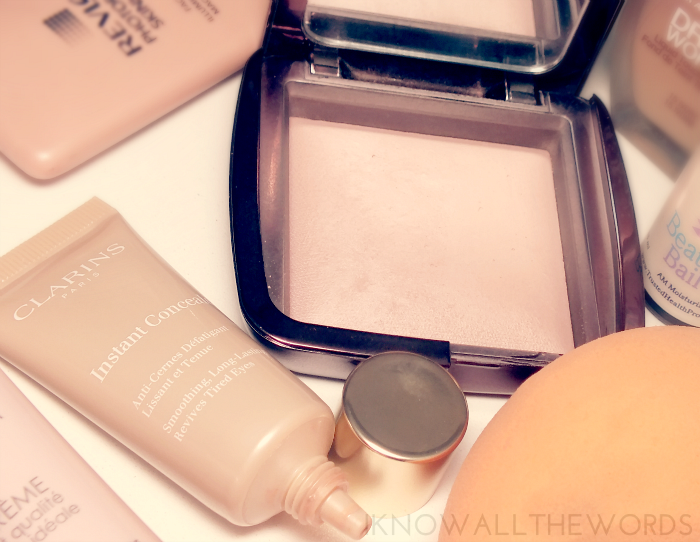 clarins instant concealer and hourglass mood light ambient lighting powder