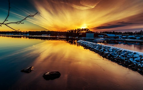 blue sunset red water yellow stone sunrise forrest sweden harbour watch västervik