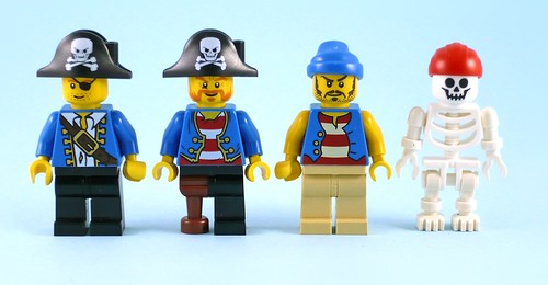 10679 Pirate Treasure Hunt figures03