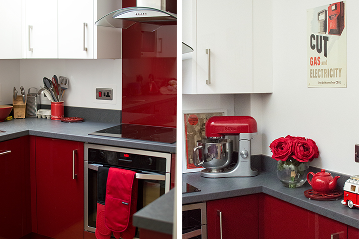 red_kitchen_house_england