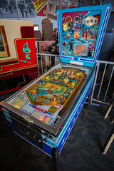 arcade game(0.0), recreation(0.0), pinball(1.0), electronic device(1.0), games(1.0),