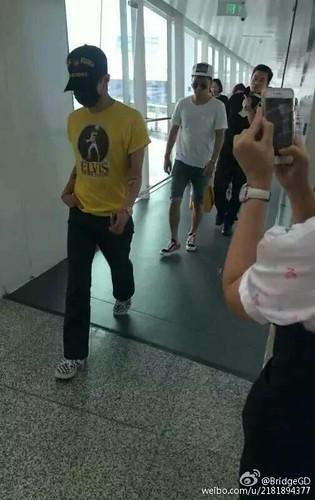 more BIGBANG arrival Shenzhen 2015-08-07 (46)