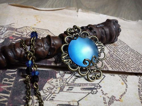 collier filigrane cabochon rond bleu (1)