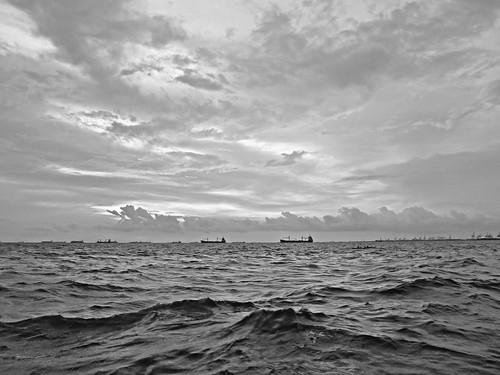 travel sunset sea sky storm art nature water photography bay ship philippines cargo manila ruby manilabay pasay cyclone typhoon breakwater blackandwhitephotography photograpy roxasblvd 4t hagupit 4tsuarez fortunatocsuarezjr fortisuarez 4tsphotos