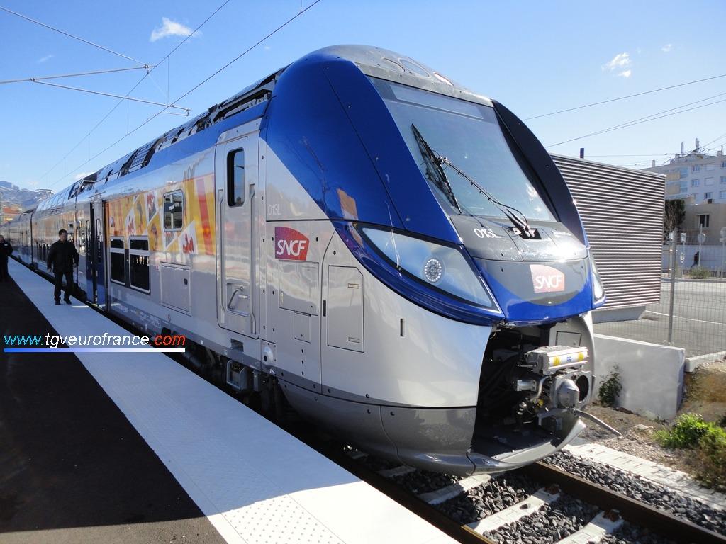 La rame 013L SNCF (Regio 2N Bombardier Transport) à Aubagne
