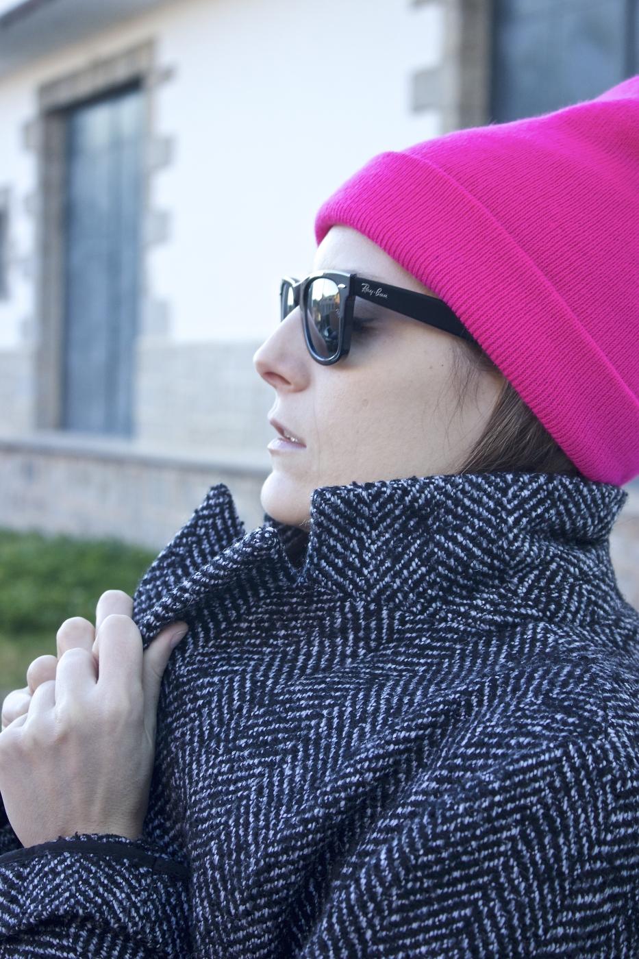 lara-vazquez-madlula-pop-of-pink-beanie-winter