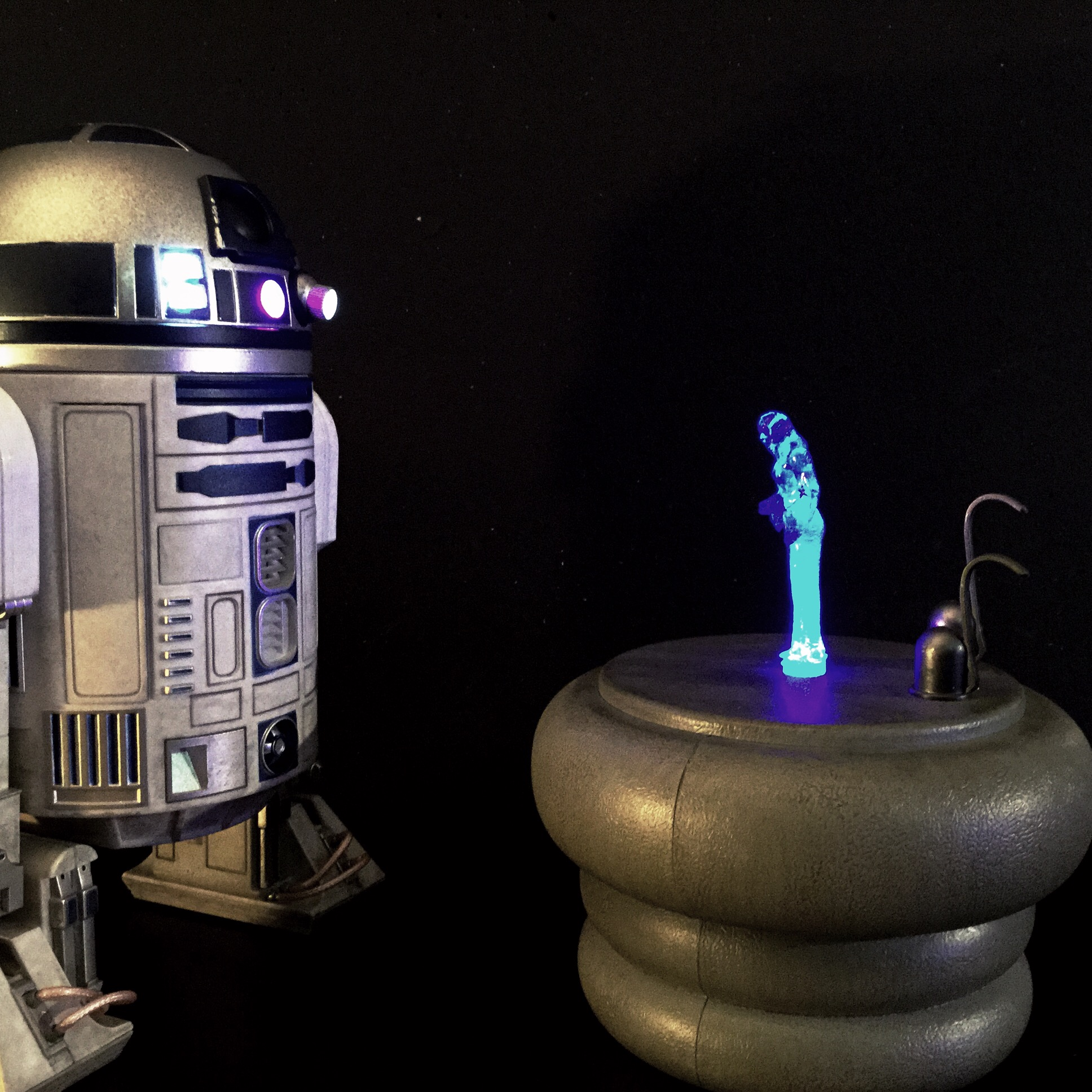 [REVIEW] Star Wars : R2-D2 Deluxe (Sideshow) 16256519068_b7ba94e1df_o