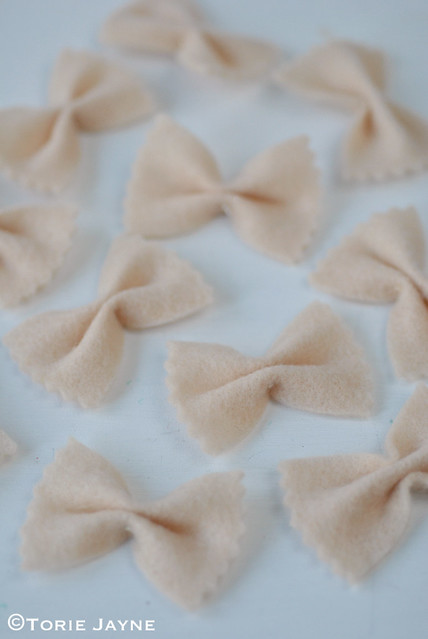 Felt farfalle pasta 2