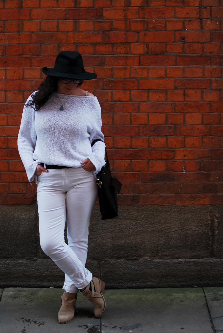white jeans with a white jumper for spring
