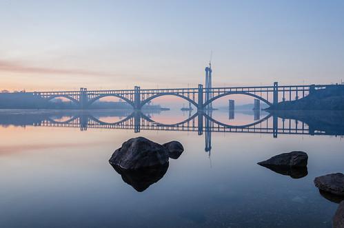 morning bridge reflection water sunrise river dawn rocks arc dnepr dnipro zaporizhzhya zaporozhye