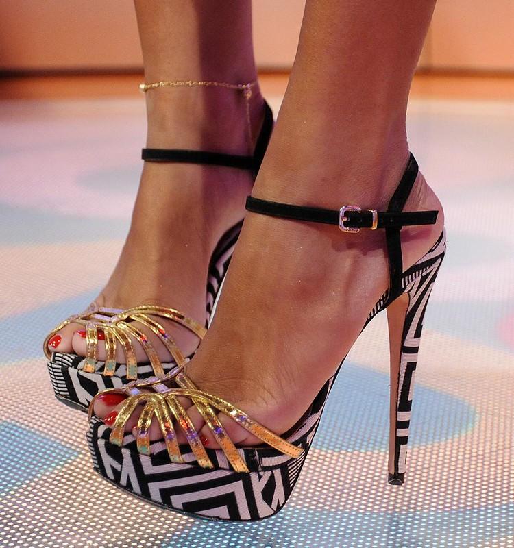 Feet & Shoes (1023)