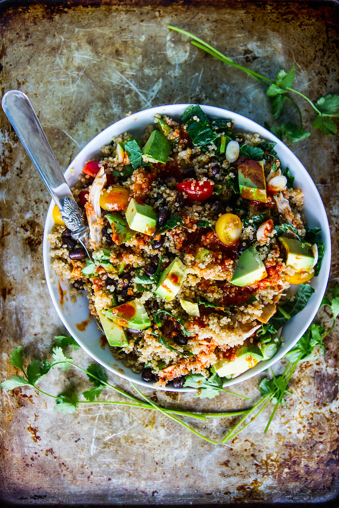 Black Bean Quinoa Bowls with Harissa Dressing -- plus check out these other amazing quinoa bowl recipes!