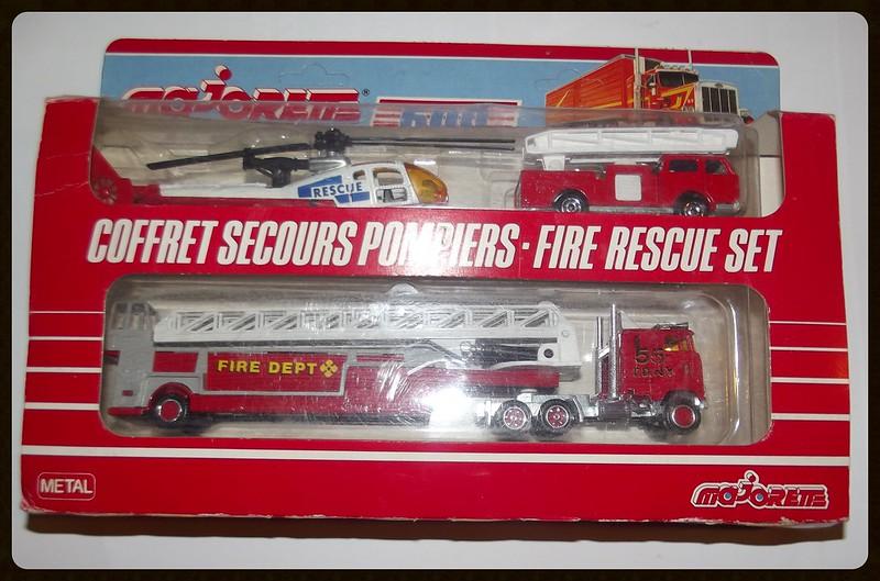 Coffret secours pompier-fire rescue set (600) 16663649212_78fef4bc0c_c