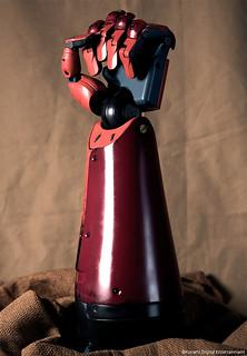 買義肢,送遊戲!XD《潛龍諜影:幻痛》限定版將同捆SNAKE 1:1 生化義肢