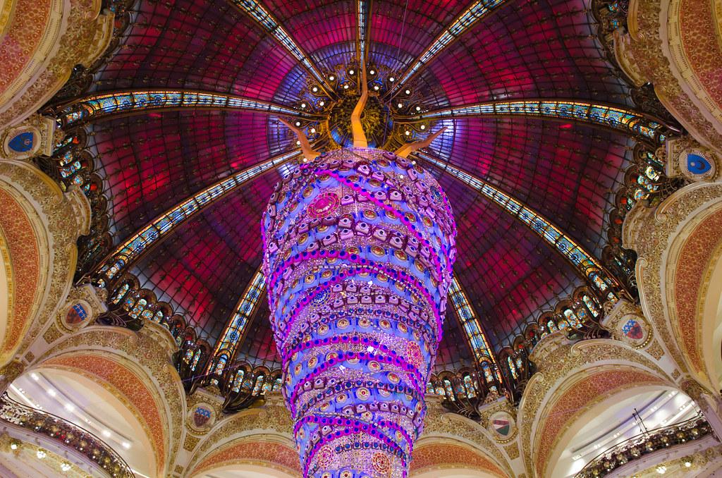 Le sapin de Noël des Galeries Lafayette 2014