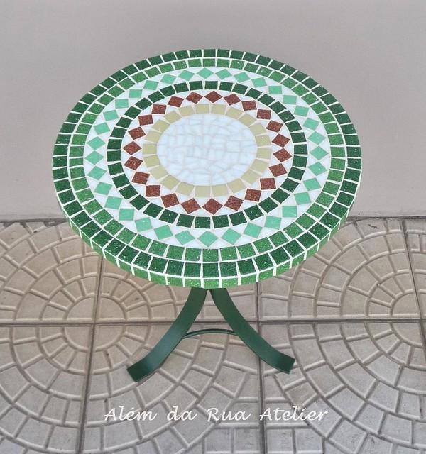 Mesa pequena de mosaico