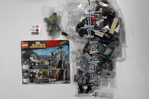 LEGO Marvel Super Heroes Avengers: Age of Ultron The Hydra Fortress Smash (76041)