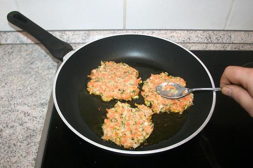 37 - Puffer glatt streichen / Flatten pancakes