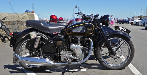 350 fishtail Mac Velocette with sidecar 1953
