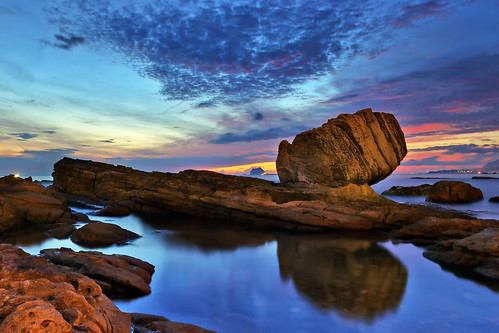 ocean light sea cloud reflection nature rock sunrise canon landscape coastal fist 萬里 日出 雲彩 倒影 拳頭石 岩岸