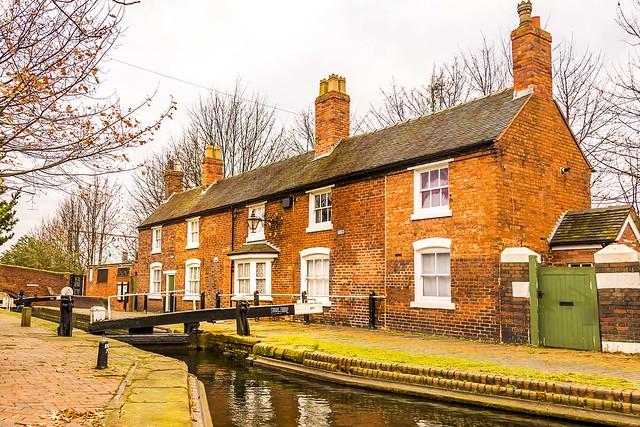 Wolverhampton Top Lock Cottages