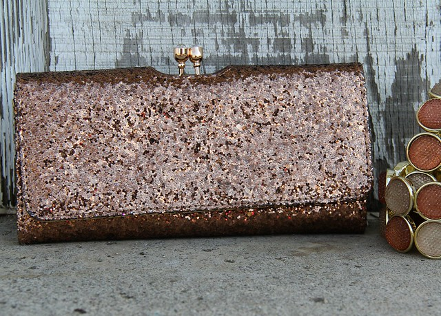 how to make a jeweled clutch1