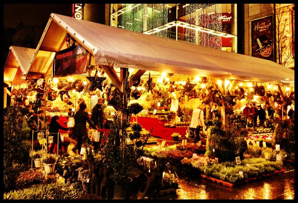 Christmas Continental Market