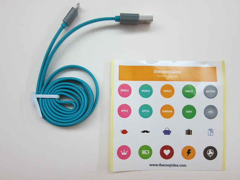 thecoopidea Pasta Lightning Cable - Box Contents