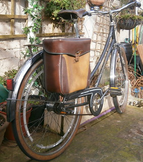 New arrivall at the old Spokes home! Peugeot Tradition, velo femme.l at the O