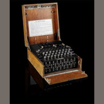 Maquina de cifrado Enigma subastada en bonhams