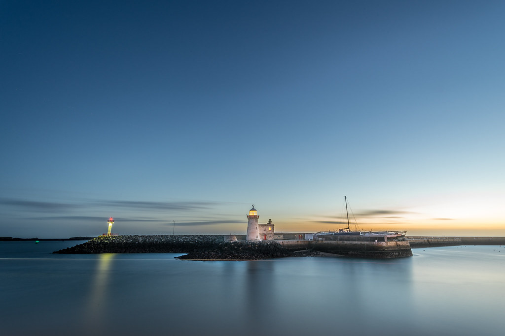 Sunrise at the Howth lighthouse, Dublin, Ireland picture
