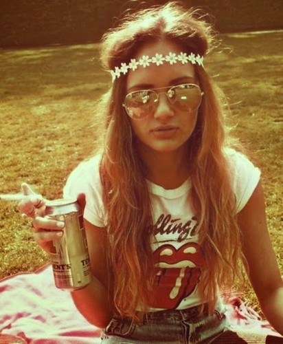 rlk456-l-610x610-sunglasses-hipster-girls-floral-headband-rollingstone-jean-shorts-festival-shirt-jewels-hat-t-shirt-rolling-stones-band-t-shirt-hippie-boho-flowercrown-shorts-summer-fashion-summer-1