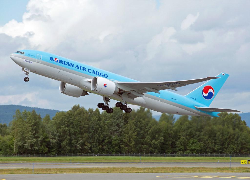 HL8075 - B77L - Korean Air