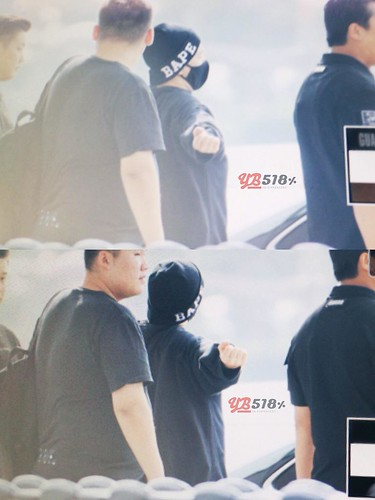 Big Bang - Incheon Airport - 24sep2015 - YB 518 - 05