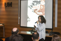 Anabella Salem participo de la charla de el colectivo el âFantasma de HeredÃ-aâ en la UM