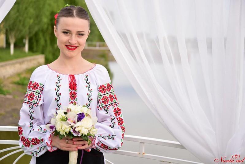 """Танцоры на свадьбу ансамбль""""Tinereţe"""""""
