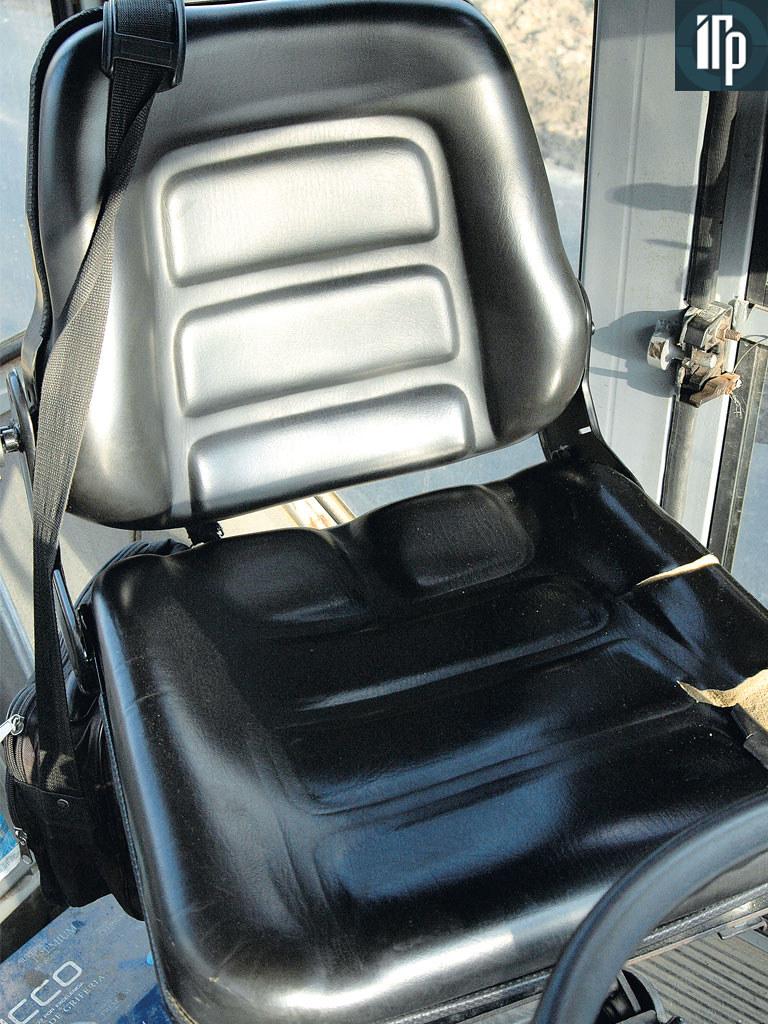 кресло оператора DM-13