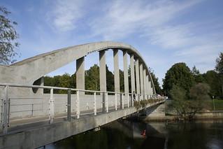 Pedestrian bridge over Emajõgi
