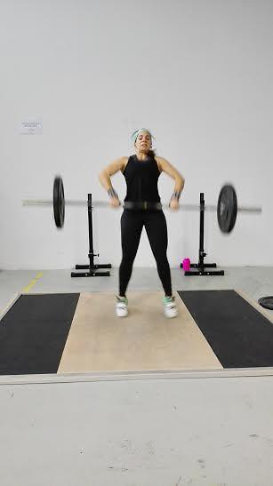 All the CrossFit ladies cristina crossfit zgz clean