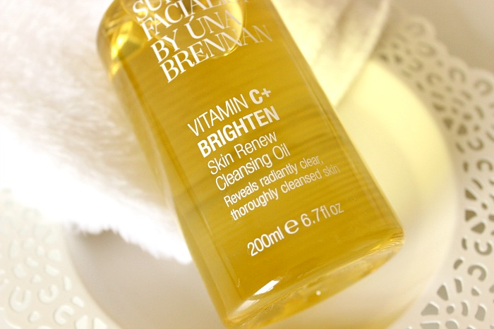 Superfacialist by Una Brennan Skin Renew Cleansing Oil Review 1