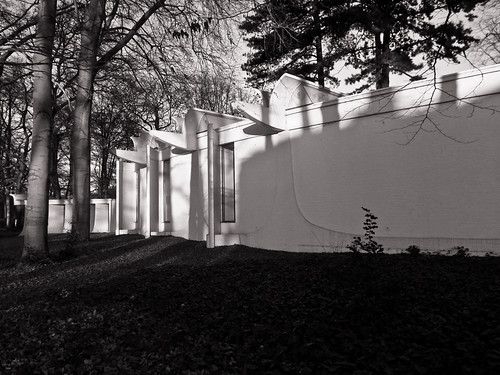 Art museum, B&W, Samsung EX-1.