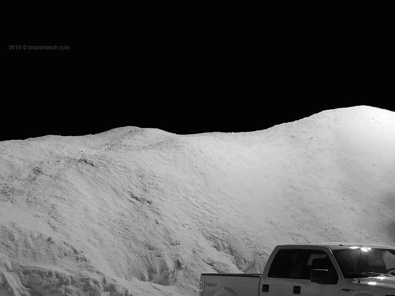 DSCN9846_truck_snow